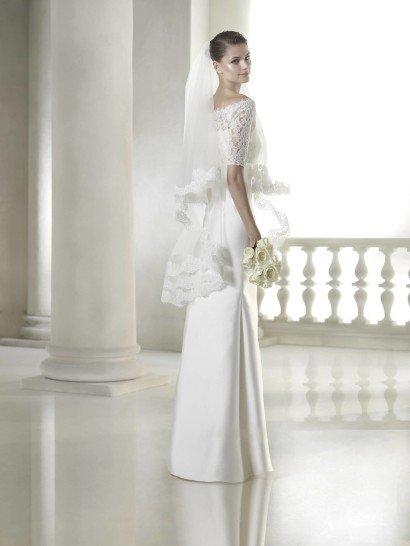 Прямое недорогое шелковое свадебное платье.