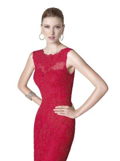 Роскошное вечернее платье рыбка красного цвета.