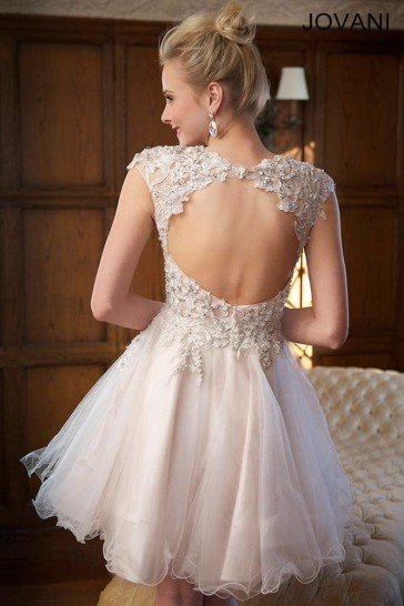 Романтичное вечернее платье для выпускного.