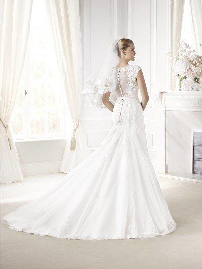 Закрытое свадебное платье EVELIA от La Sposa.