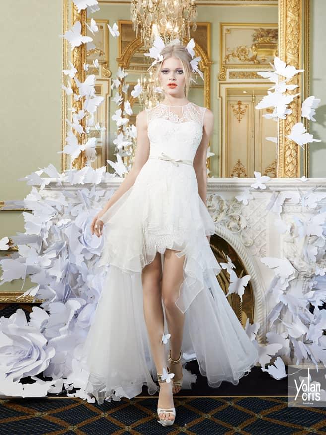 Закрытое свадебное платье с укороченной спереди юбкой. ➌ Примерка и подгонка платьев  ✆ +7 495 627 62 42 ★ Салон Виктория Ⓜ Арбатская Ⓜ Смоленская