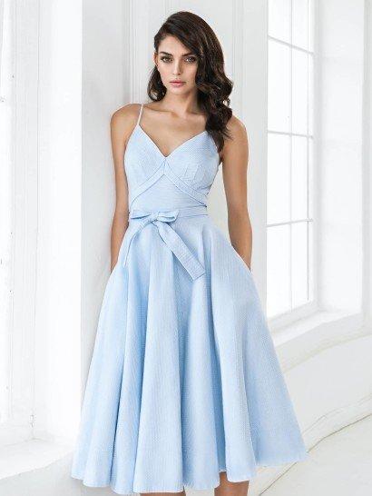 Открытое вечернее платье на выпускной.