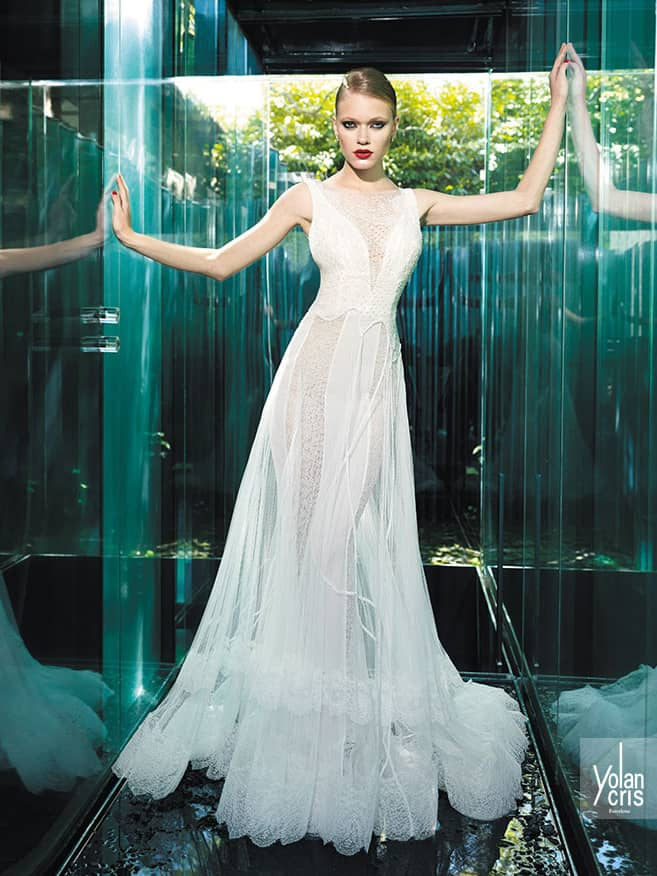 Эксклюзивное кружевное свадебное платье.
