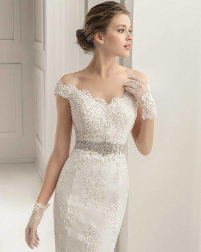Свадебное платье русалка с поясом.