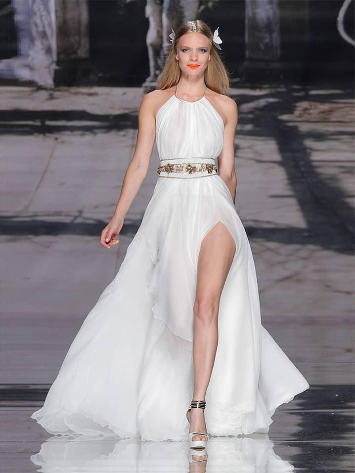 Эффектное свадебное платье YolanCris.
