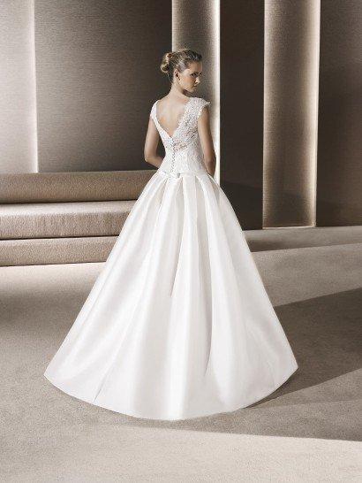 Свадебное платье пышное с карманами.