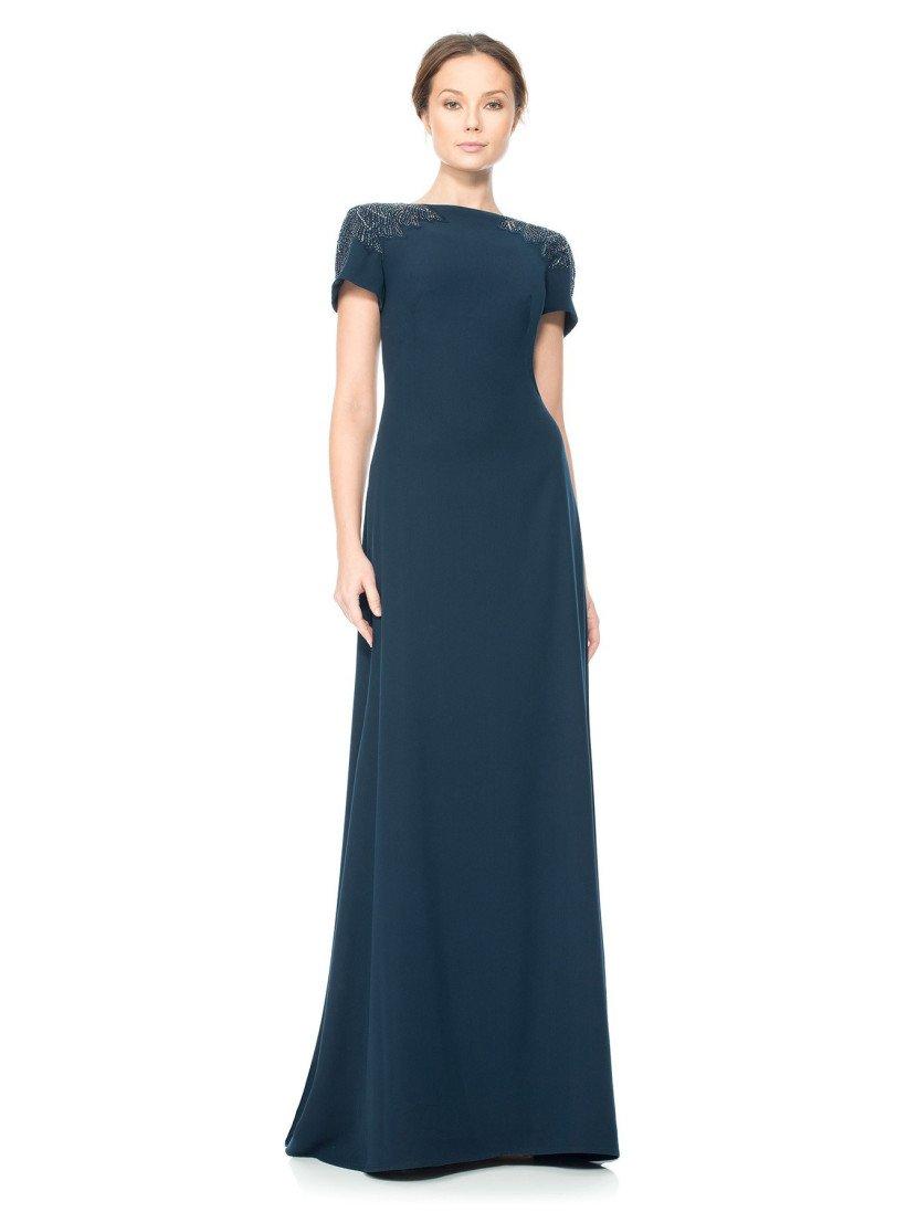 Платье вечернее с короткими рукавами.
