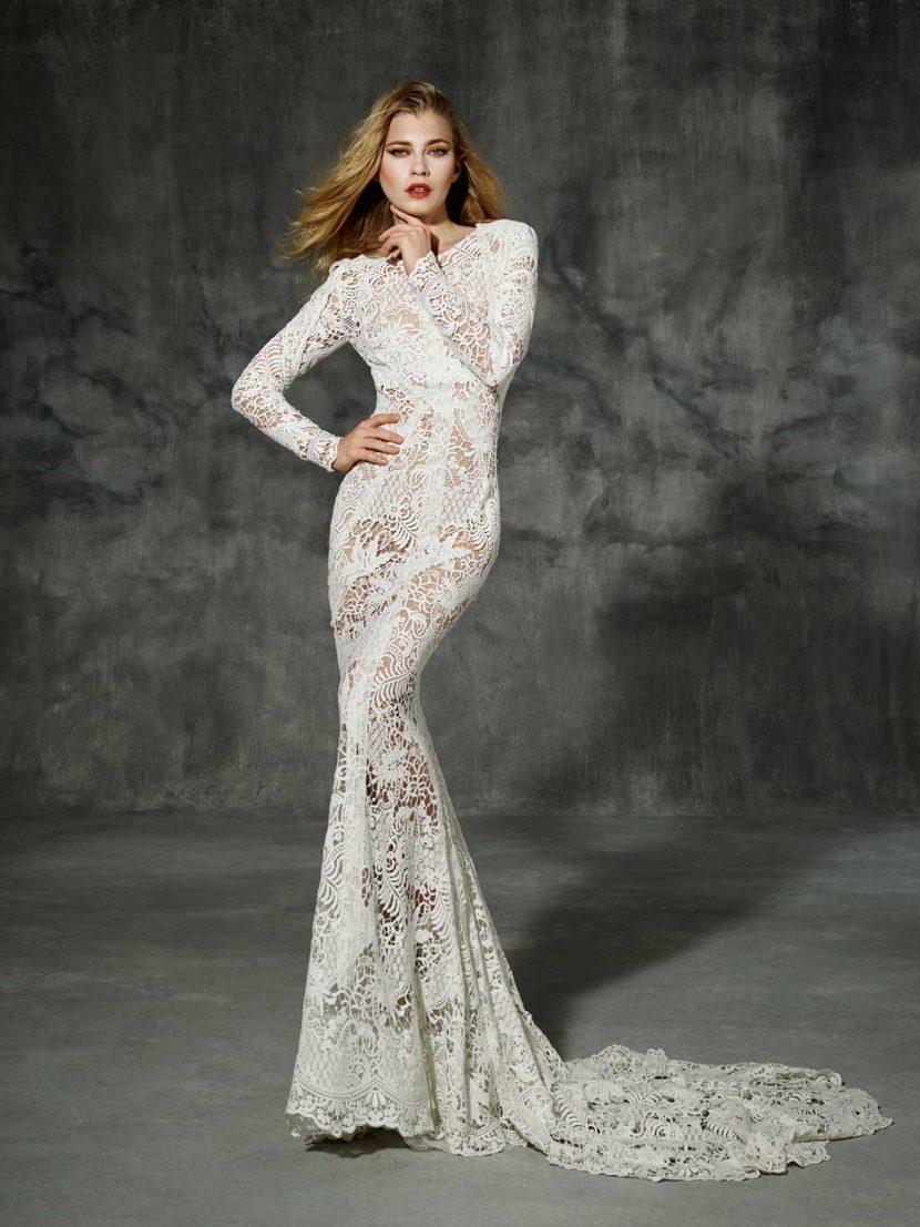 Свадебное платье с силуэтом «русалка» и закрытым верхом.