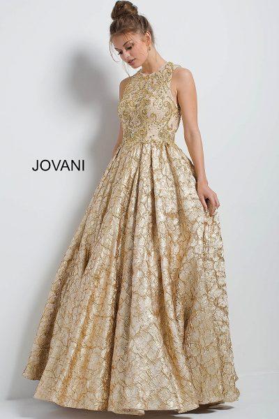 0bab90e469f8135 Вечернее платье без рукавов с золотистой вышивкой