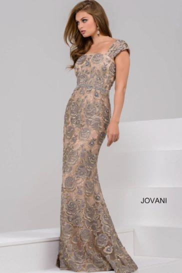 Облегающее вечернее платье с цветочным узором